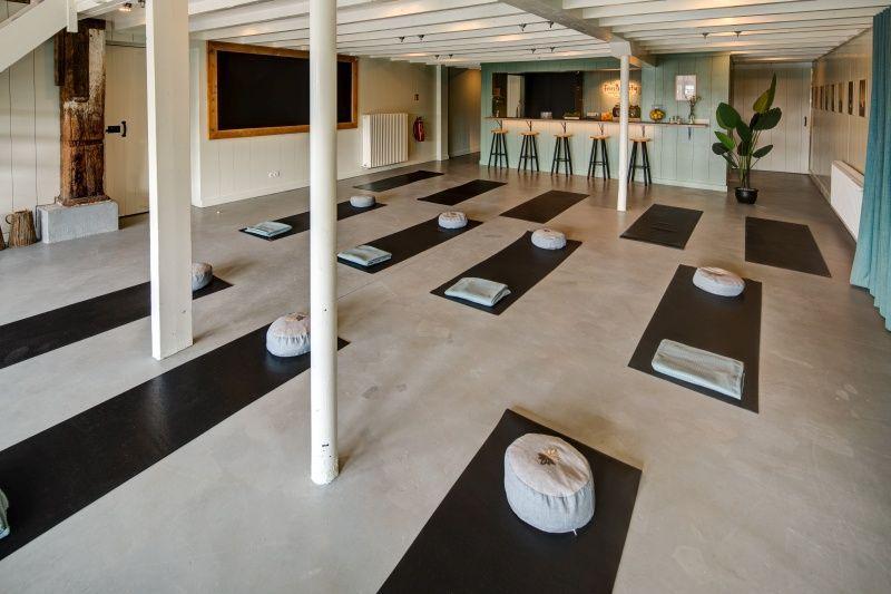 fries-en-fruitig_afb_yoga-retreat_6.jpg